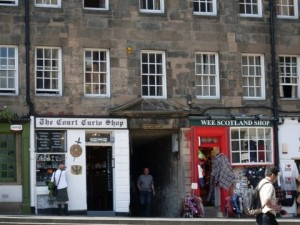 Darling shops in Edinburgh, Scotland